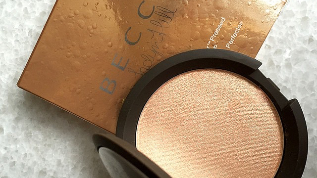 Becca x Jaclyn Hill Champagne Pop Shimmering Skin Perfector