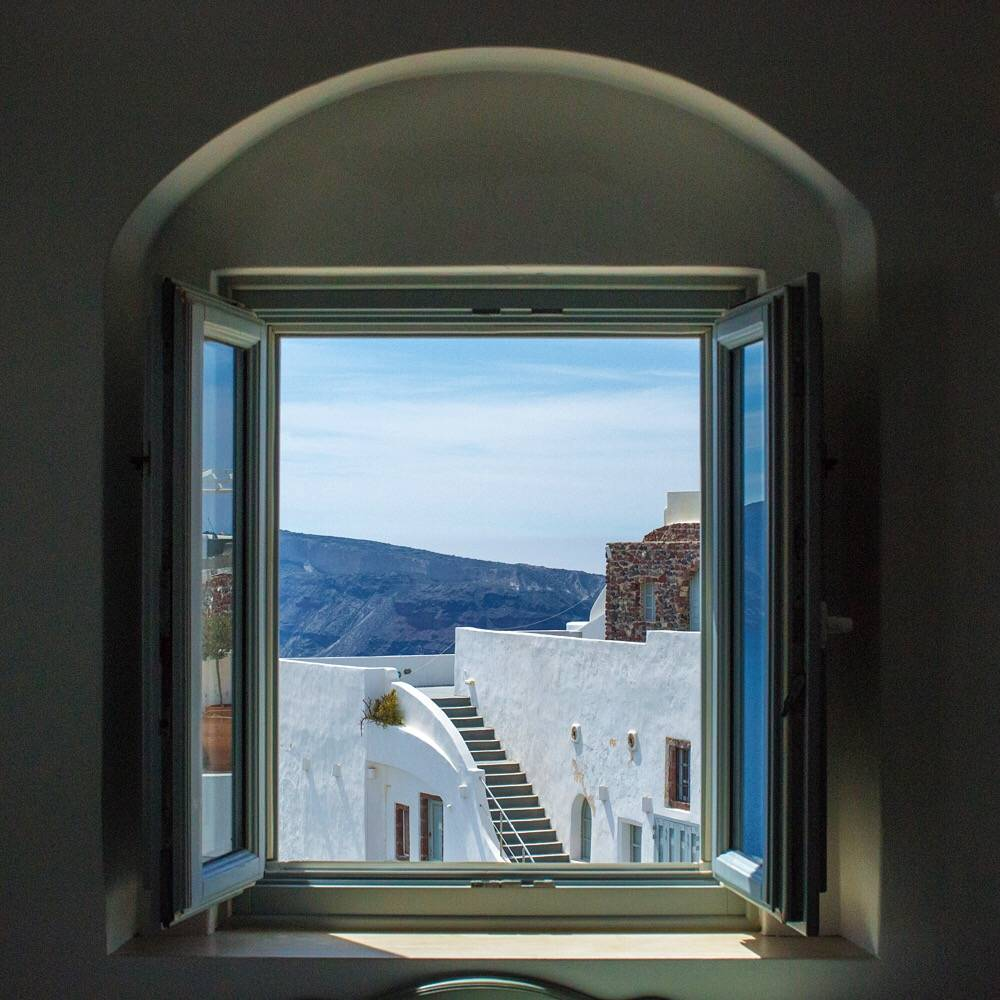 Andronis-Luxury-Suites-Santorini-3